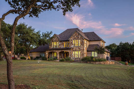 4,600 Square Foot Luxury Home with Activities Galore!