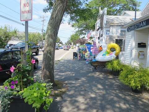 Downtown Harwich Port - stores and cafes - Wednesday nights enjoy music in the Port! Harwich Port Cape Cod New England Vacation Rentals