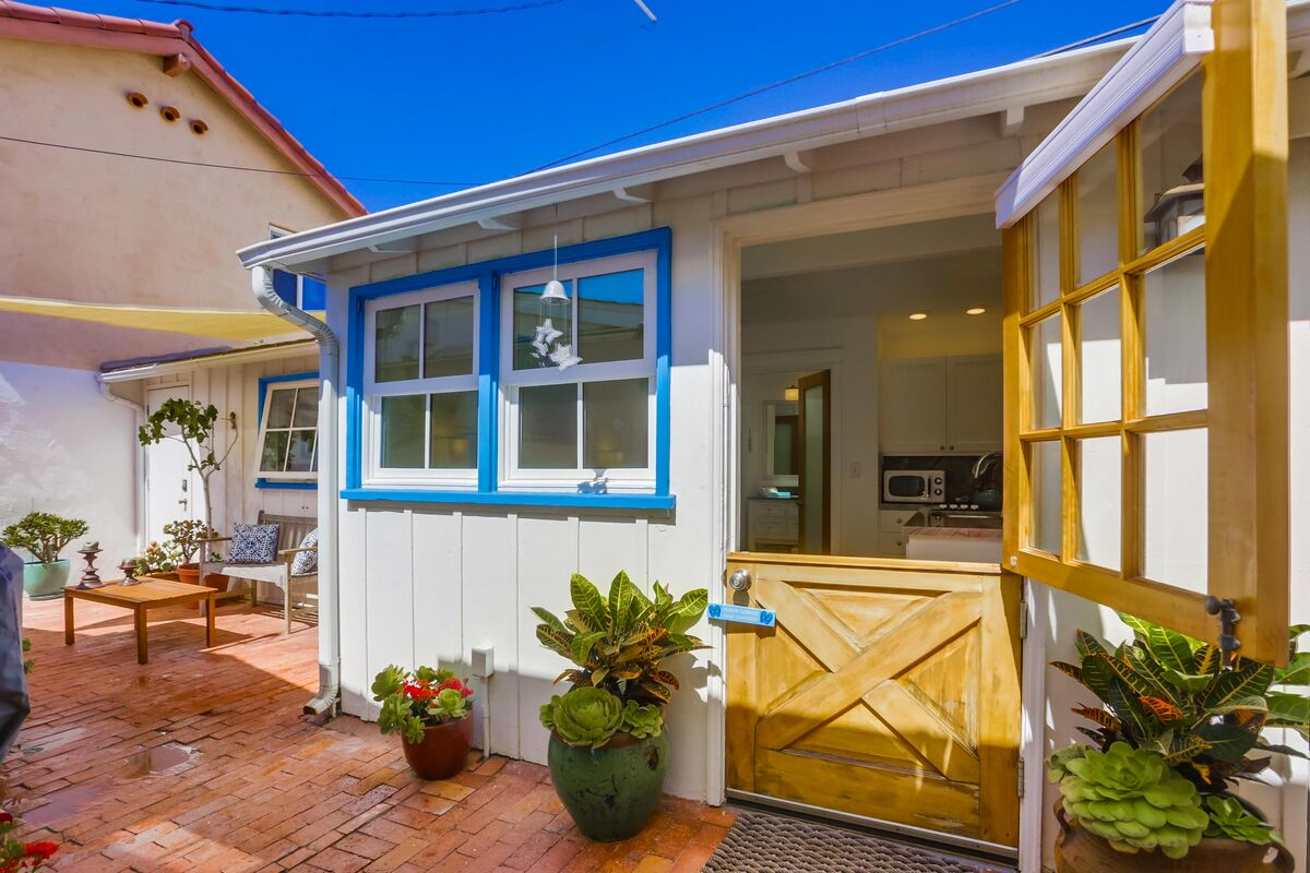 Browse Our Surf Sand Beach Bungalow
