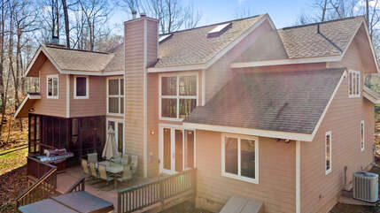Outdoor View of Tricky Tee - Our Luxury Poconos Vacation Rental