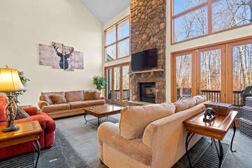 Great Room with Panoramic Views in the Tricky Tee Poconos Vacation Rental