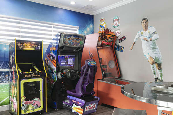 Choose from a variety of classical arcade games