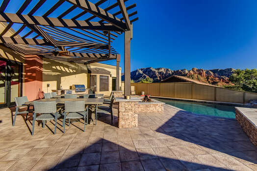 Enjoy the Expansive Red Rock Views