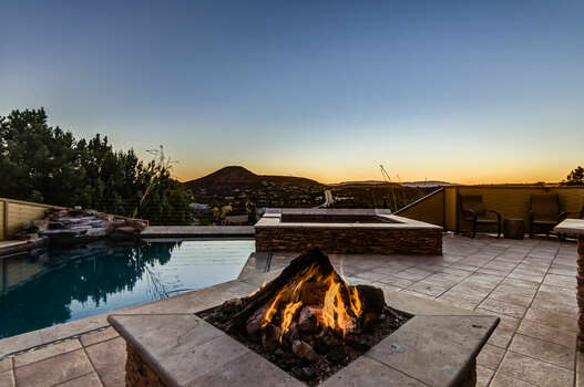 Amazing Views and Sunsets from the Patio, Pool and Hot Tub