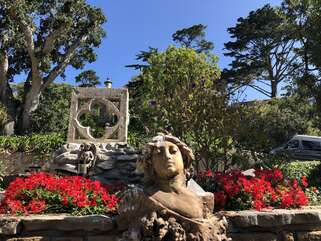 Come be surrounded by the Bas-Relief Sculptures and ex-quite sitting areas of the Famous bigelow Estate designed by John O'shea