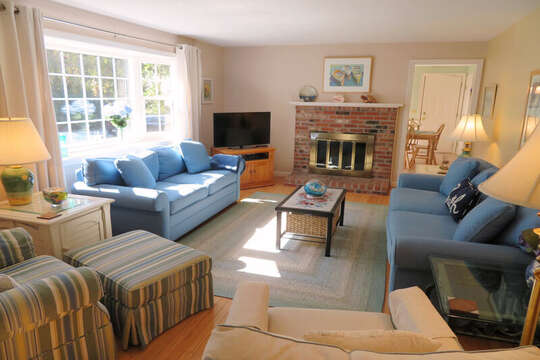 Flat Screen TV- Central air and WiFI- 30 Chatham Crest Drive Chatham Cape Cod - New England Vacation Rentals