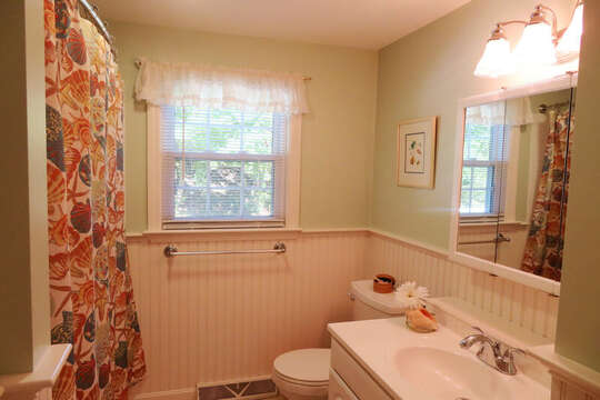 Full Bath with shower/tub combo in hall- 30 Chatham Crest Drive Chatham Cape Cod - New England Vacation Rentals