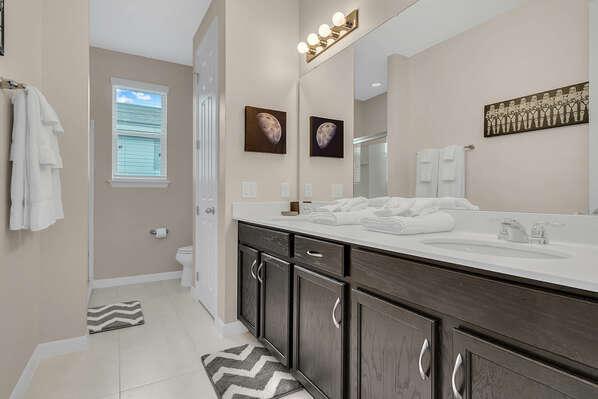 Ensuite bathroom with large vanity