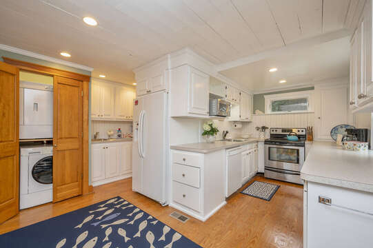 Laundry and wet bar are adjacent to the kitchen. 350 Barn Hill Road Chatham Cape Cod - New England Vacation Rentals