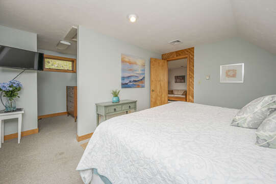 Bedroom #3 King bed, flat screen TV and walk in closet. 350 Barn Hill Road Chatham Cape Cod - New England Vacation Rentals