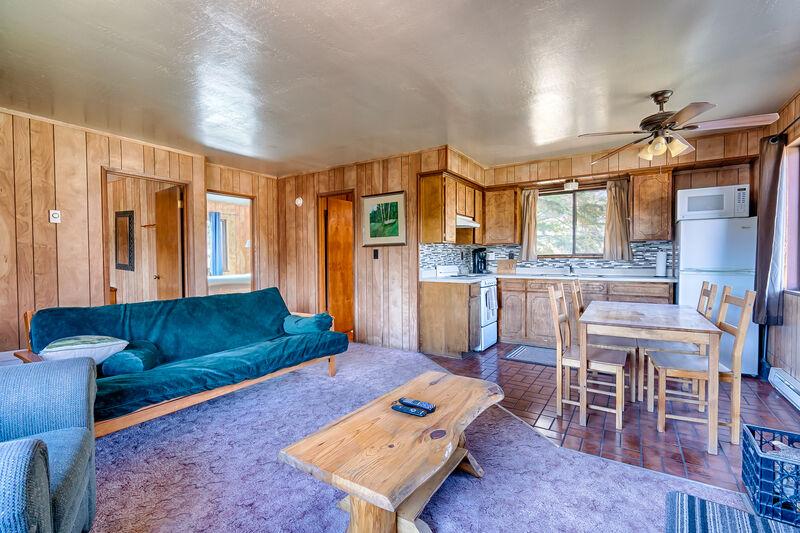 AR Rustling Pine #1 - Cabin Butler