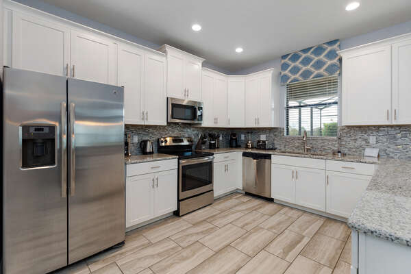 A fully equipped kitchen to meet all of your cooking needs