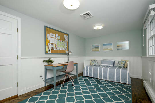 Office and twin bed - 40 Tip Cart Chatham Cape Cod - New England Vacation Rentals