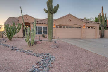 One story Gold Canyon home with resort amenities awaits your arrival.