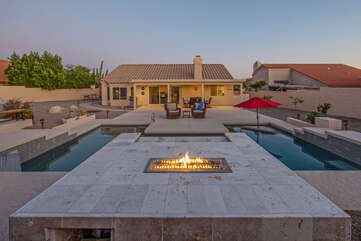 Wow! The propane fire pit, private pool and Jacuzzi are exquisite!