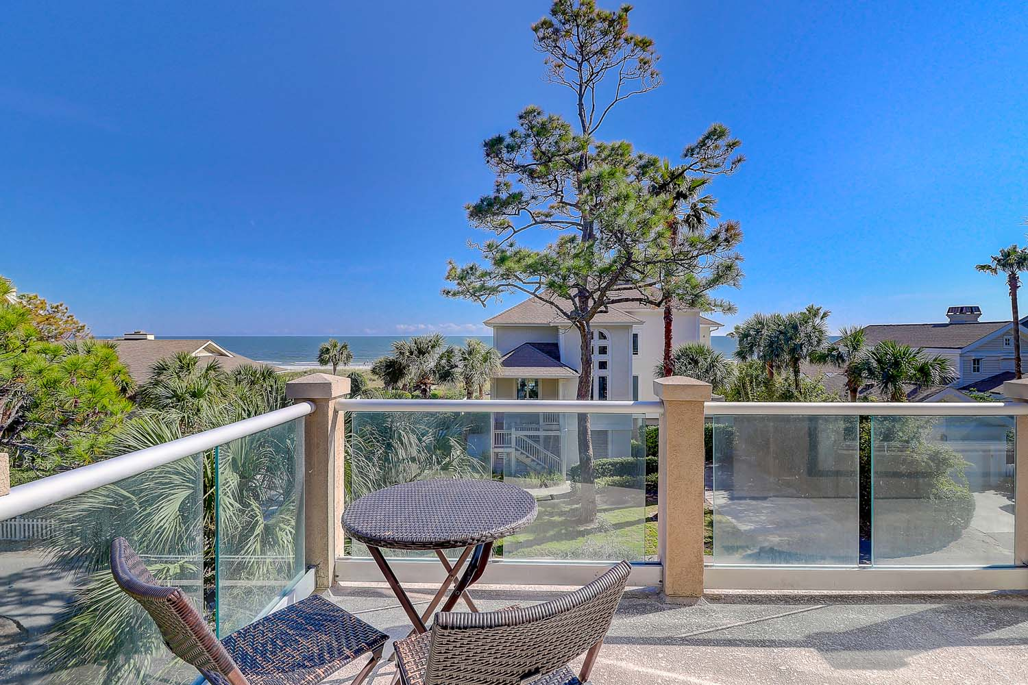 Gorgeous upper level sun deck balcony with ocean view