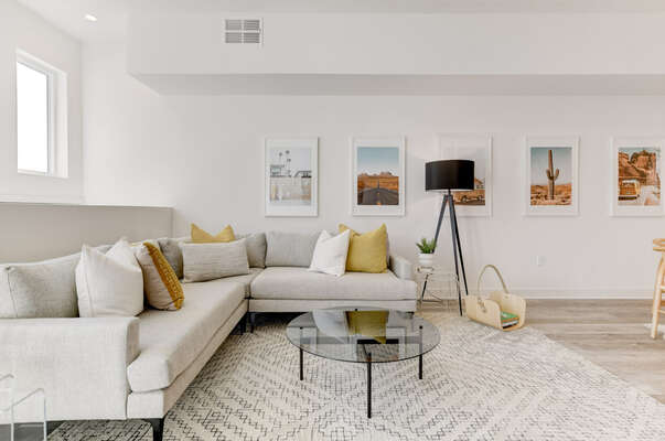 Entry Level Living Room in our San Diego Townhouse Rental