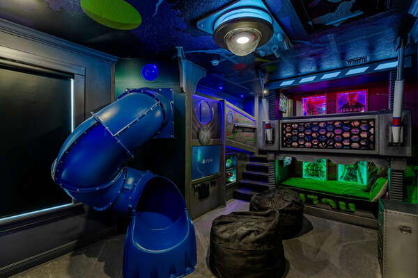 See your kids jaw drop as they enter this custom kids room that will allow them use their imagination for hours