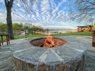 Doesn't get much better than lakeside fires! This firepit is HUGE! Perfect for s'mores for the kids!