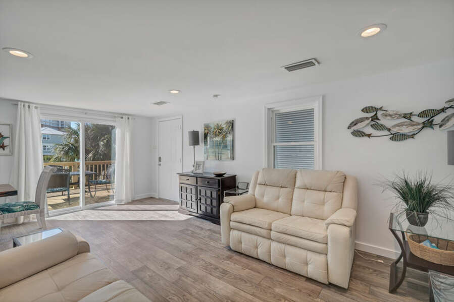 Open Plan Living Area with Plenty of Comfortable Seating