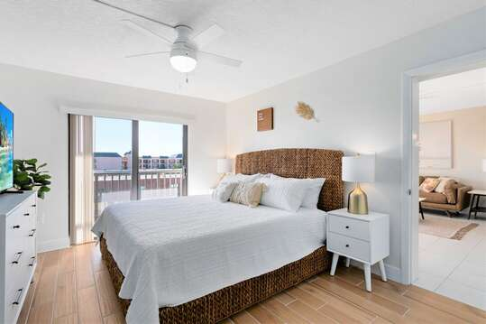 Gorgeous serene master bedroom with King bed, memory foam mattress, smart TV, balcony, ensuite and walk in closet!