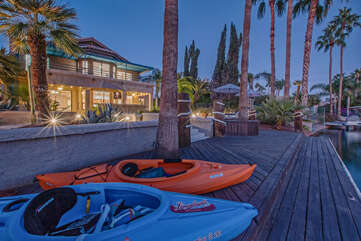 Guests can explore the community waterways with the 2 kayaks and accessories supplied by owners.