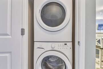 Full size stackable washer/dryer