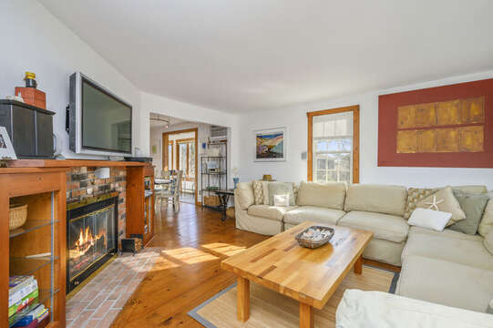 Plenty of comfy seating! 67 The Cornfield Chatham Cape Cod - New England Vacation Rentals