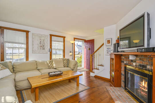 TV room with large flat screen TV and WiFi! 67 The Cornfield Chatham Cape Cod - New England Vacation Rentals