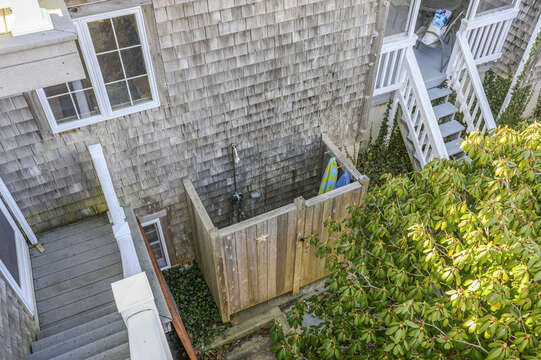 Outdoor shower - enclosed with hot and cold water. 67 The Cornfield Chatham Cape Cod - New England Vacation Rentals