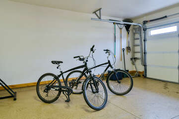 Garage and two bicycles for guest use