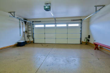 Garage with plenty of space