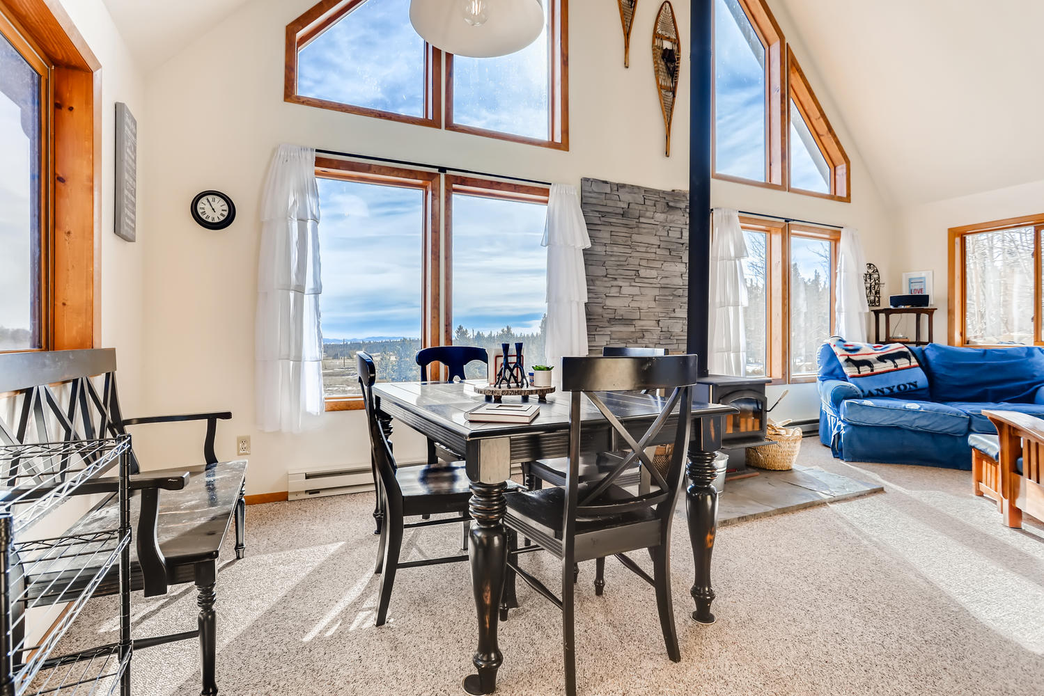 Plenty of area for dining with Mountain VIews!