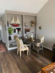 Cozy dining nook with seating for 4