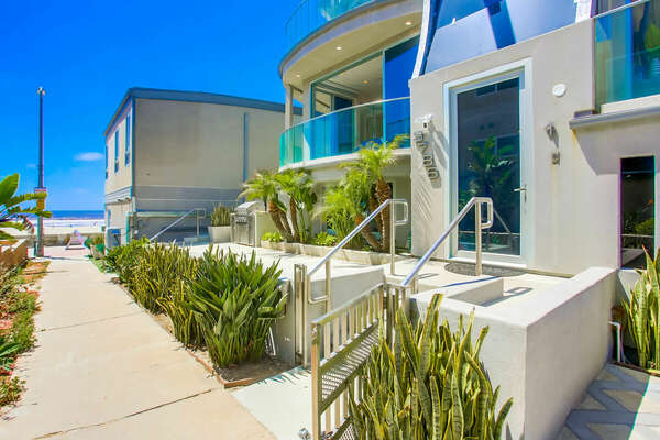 Front of this Mission Beach Rental San Diego
