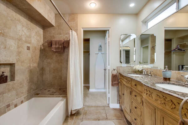 Master Ensuite Bath, Dual Vanities, Tub/Shower + Walk-in Closet