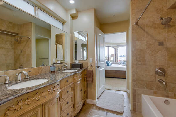 Master Ensuite Bathroom, Dual Vanities, Tub/Shower + Walk in Closet