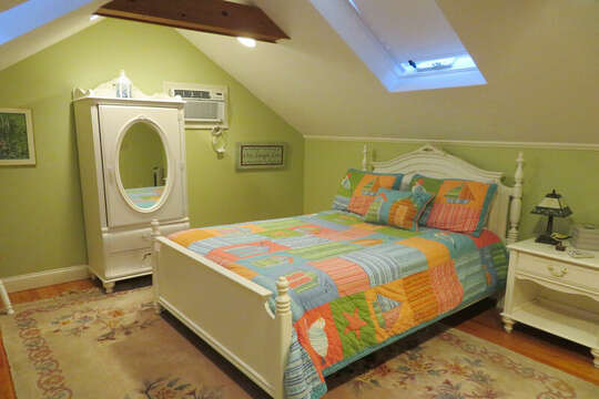 2nd floor - double bed-- 209 Indian Hill Road Chatham Cape Cod New England Vacation Rentals
