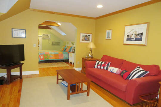 2nd floor sitting area with Flat screen TV - 209 Indian Hill Road Chatham Cape Cod New England Vacation Rentals