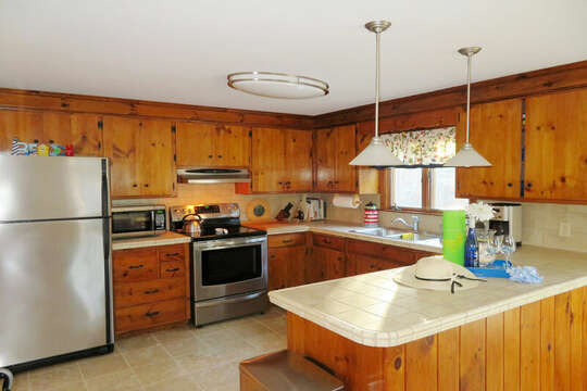 Fully equipped kitchen--209 Indian Hill Road Chatham Cape Cod New England Vacation Rentals