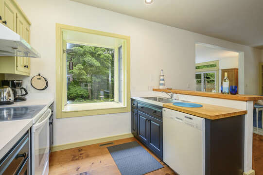 Kitchen with dishwasher - 9 Reliance Way Harwich Cape Cod - New England Vacation Rentals
