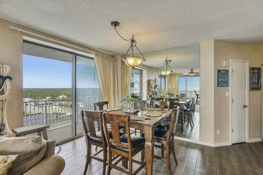 Dining Area for 6 with Extra Seating at the Breakfast Bar and Water Views