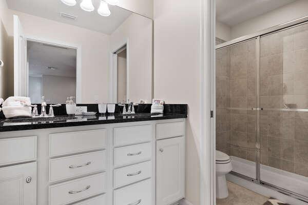 Large ensuite bathroom