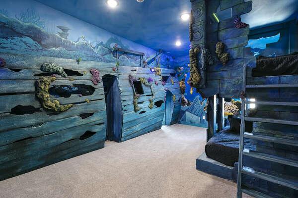 Explore what lies in the ocean in this bedroom!