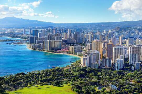 "Beautiful Waikiki with zoo and Kapiolani Park within  less than ten minutes' walk from  the Banyan.  One of the best condo locations for proximity to everything!  ""E Koko Mai""—-WELCOME!"