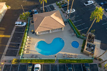 It's a short walk to the community center with lovely heated pool, spa and gas grill