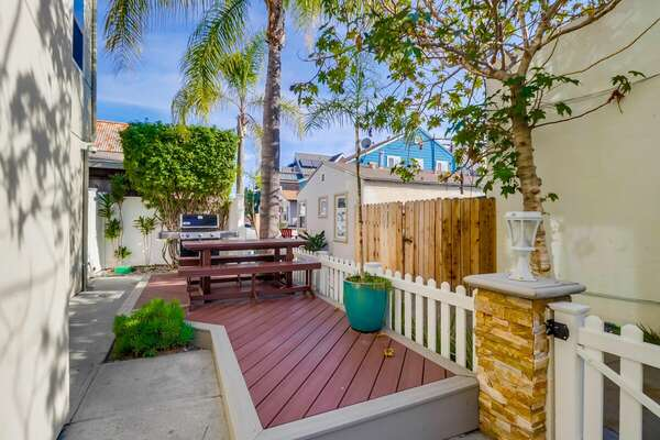 Shared Patio with Adjoining Unit- BBQ and Outdoor Dining
