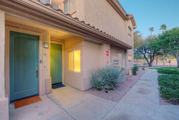 Private entrance to ground floor, 2 BR 2 BA condo in popular Superstition Lakes community