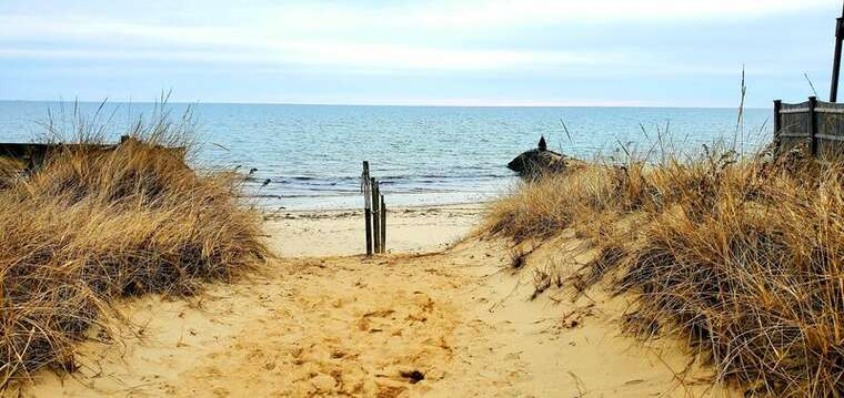 Depot st  beach !13 houses from beach entrance. DennisPort , Cape Cod , New England Vacation Rentals