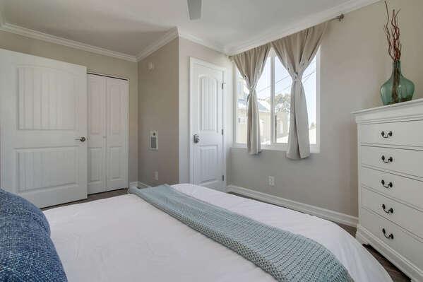 Image of White Dresser in Bedroom.